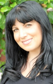 Tess Woods Author photo